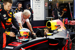 Daniel Ricciardo, Red Bull Racing, prepares to head to the grid in the garage