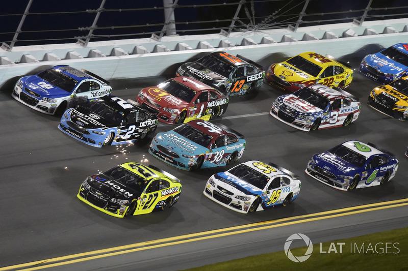 Paul Menard, Richard Childress Racing Chevrolet, Michael McDowell, Leavine Family Racing Chevrolet, Brad Keselowski, Team Penske Ford, Dale Earnhardt Jr., Hendrick Motorsports Chevrolet