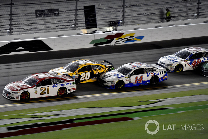 Ryan Blaney, Wood Brothers Racing Ford, Matt Kenseth, Joe Gibbs Racing Toyota,, Clint Bowyer, Stewart-Haas Racing Ford