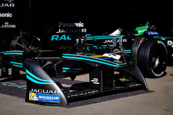Box: Jaguar Racing