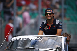 Carlos Sainz Jr., Scuderia Toro Rosso, on the drivers' parade