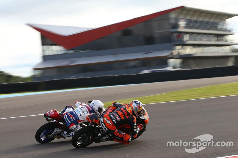 Romano Fenati, Marinelli Rivacold Snipers; Bo Bendsneyder, Red Bull KTM Ajo, Moto3