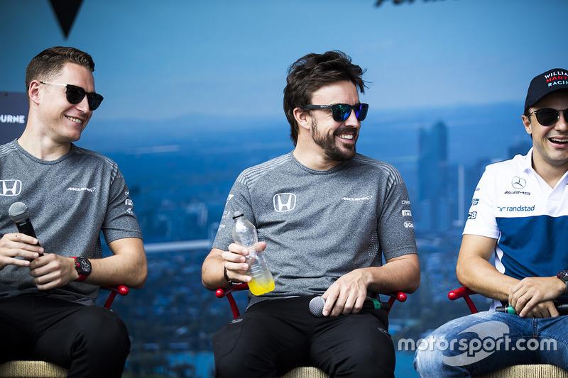 Stoffel Vandoorne, McLaren; Fernando Alonso, McLaren; Felipe Massa, Williams