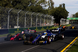 Marcus Ericsson, Sauber C36, leads Kevin Magnussen, Haas F1 Team VF-17