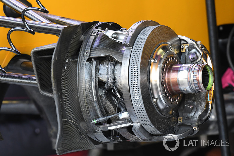 Renault Sport F1 Team RS17 front brake and wheel hub detail