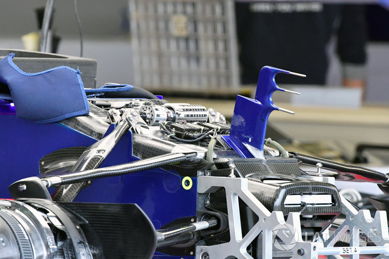 Scuderia Toro Rosso STR12 nose, front suspension and chassis detail