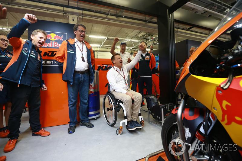 Штефан Пірер, директор KTM, Піт Байєр, керівник заводського гоночного підрозділу KTM