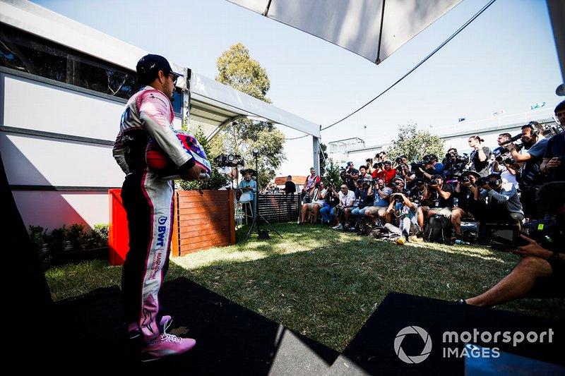 Sergio Pérez, Racing Point durante el retrato oficial