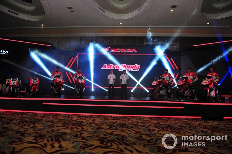 Rheza Danica, Andi Gilang, Gerry Salim, Mario Suryo Aji, Awhin Sanjaya, Irfan Ardiansyah, Lucky Hendriansya, Astra Honda Racing Team