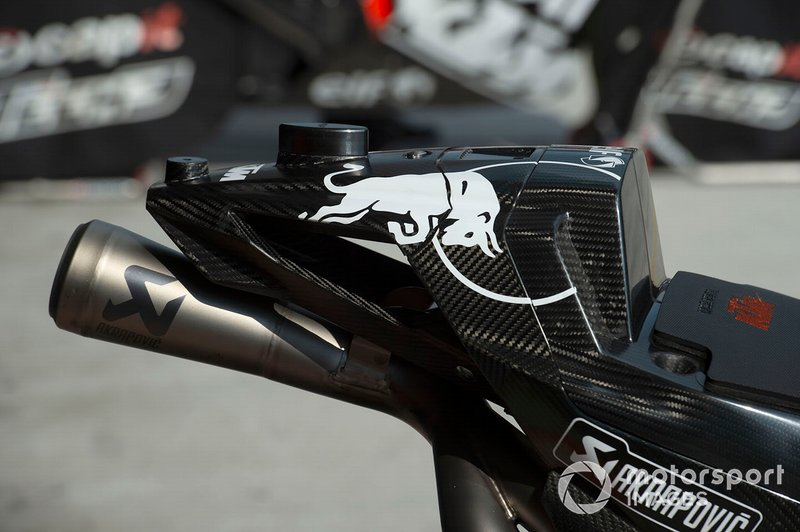 Detalle del escape Red Bull KTM Tech 3