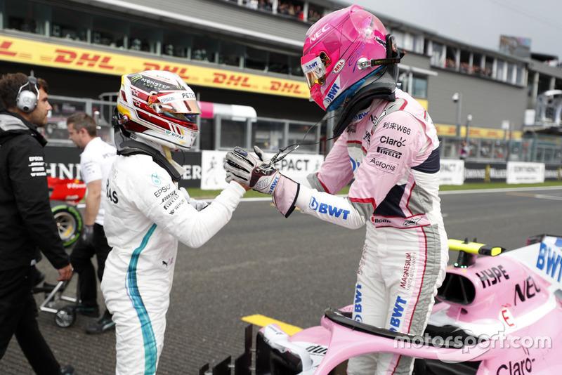 Le poleman Lewis Hamilton, Mercedes AMG F1, le troisième, Esteban Ocon, Racing Point Force India VJM11