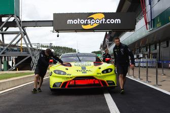 #95 Aston Martin Racing Aston Martin Vantage AMR: Marco Sorensen, Nicki Thiim with Motorsport.com signage