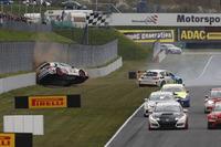 Startunfall, Tim Zimmermann, Liqui Moly Team Engstler, VW Golf GTI TCR
