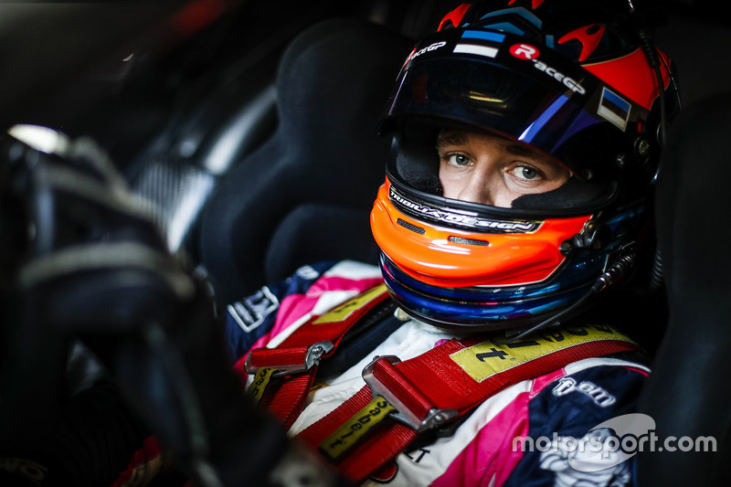 #3 R-ace GP Racing, Renault RS01: Kevin Korjus