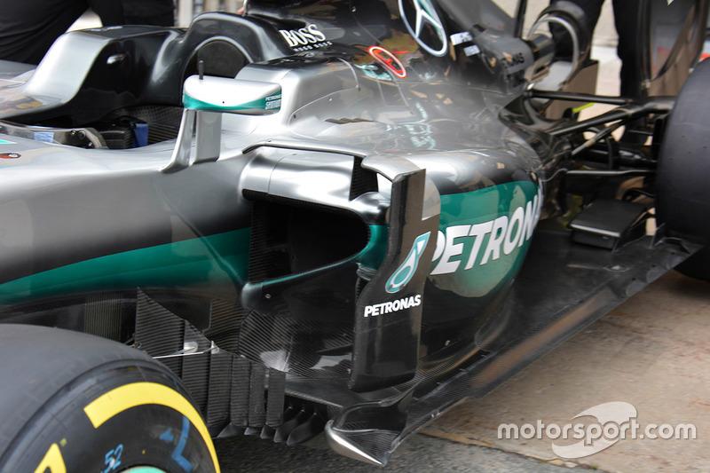 Mercedes AMG F1 W07, Seitenkasten