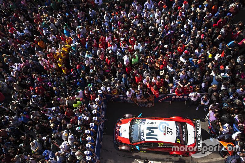 1. Переможець Хосе Марія Лопес, Citroën World Touring Car Team, Citroën C-Elysée WTCC