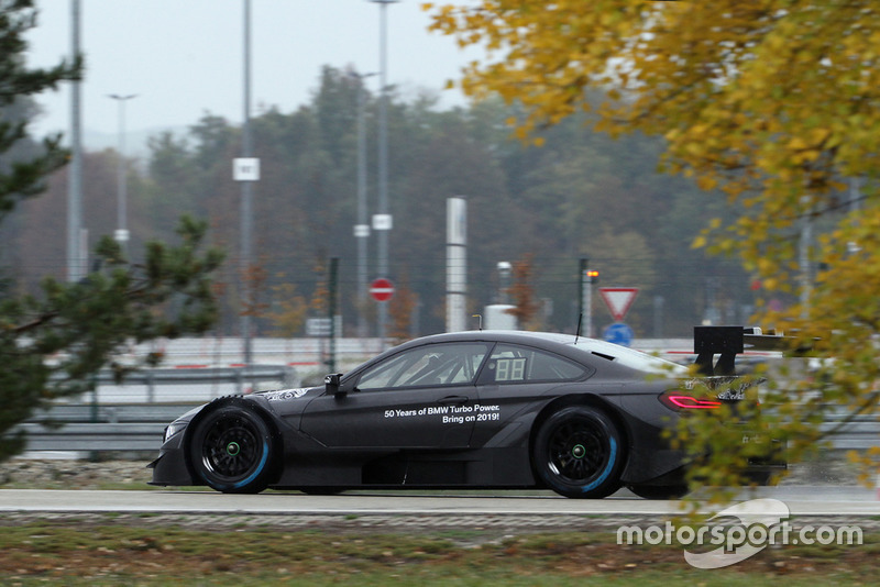 Bruno Spengler testet den BMW M4 DTM 2.0 Turbomotor
