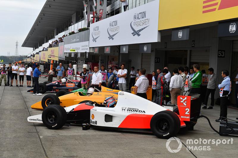 Такума Сато и McLaren Honda MP4-7A, Legends F1 30th Anniversary Lap Demonstration