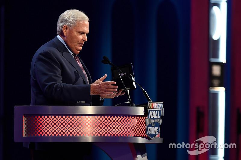 Rick Hendrick, entronizado al Salón de la Fama de NASCAR