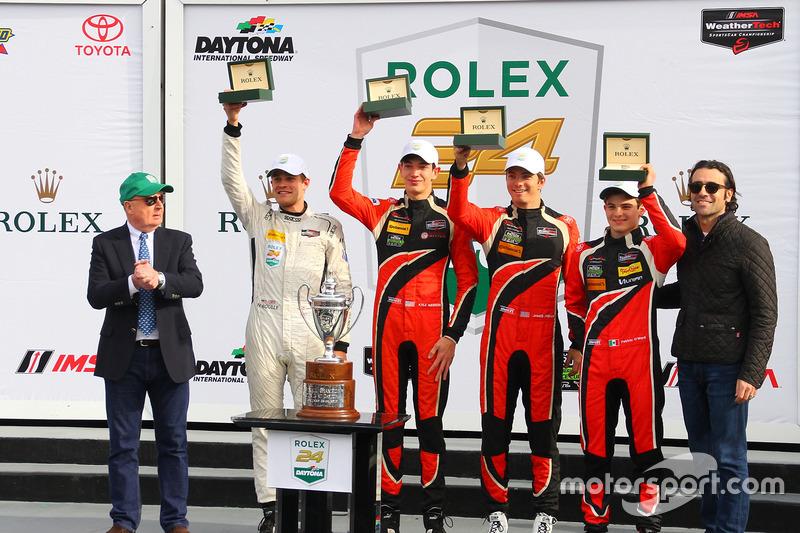 Podium PC: primer lugar, James French, Kyle Mason, Patricio O'Ward, Nicholas Boulle, Performance Tech Motorsports