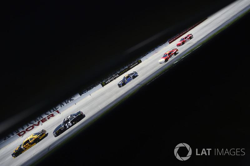 Brendan Gaughan, Richard Childress Racing, Chevrolet; J.J. Yeley, TriStar Motorsports, Toyota