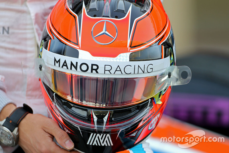 Casco de Esteban Ocon, Manor Racing