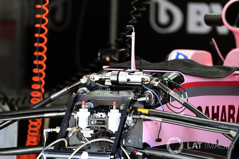 Sahara Force India VJM10 ön süspansiyon ve şasi detayı