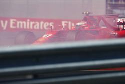 Kimi Raikkonen, Ferrari SF70H, spin atıyor