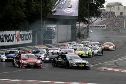 Start action Robert Wickens, Mercedes-AMG Team HWA, Mercedes-AMG C63 DTM leads