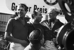Podio: il vincitore della gara Juan Manuel Fangio, Maserati, il secondo classificato Mike Hawthorn, Lancia Ferrari, il terzo classificato Peter Collins, Lancia Ferrari