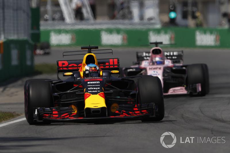 Daniel Ricciardo, Red Bull Racing RB13, Sergio Perez, Sahara Force India F1 VJM10