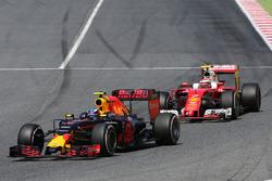 Max Verstappen, Red Bull Racing y Kimi Raikkonen, Scuderia Ferrari