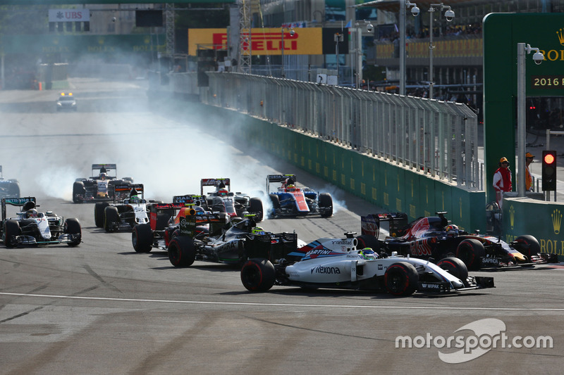 Felipe Massa, Williams FW38 en el inicio de la carrera