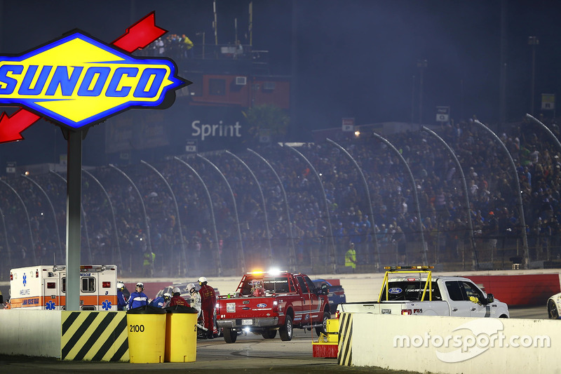 Crash of Kurt Busch, Stewart-Haas Racing Chevrolet