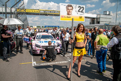 Lucas Auer, Mercedes-AMG Team Mücke, Mercedes-AMG C63 DTM, grid girl