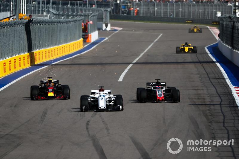 Маркус Еріксссон, Sauber C37, Ромен Грожан, Haas F1 Team VF-18, Даніель Ріккардо, Red Bull Racing RB14