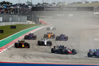 Kevin Magnussen, Haas F1 Team VF-18, Max Verstappen, Red Bull Racing RB14, Sergey Sirotkin, Williams FW41, Brendon Hartley, Toro Rosso STR13, Pierre Gasly, Scuderia Toro Rosso STR13, Stoffel Vandoorne, McLaren MCL33, y el resto