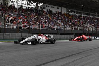 Charles Leclerc, Sauber C37 voor Sebastian Vettel, Ferrari SF71H