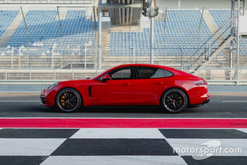 Panamera GTS Motor1
