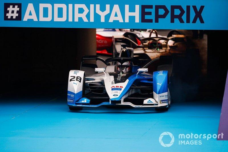 Antonio Felix da Costa, BMW I Andretti Motorsports, BMW iFE.18, parcheggia davanti al podio