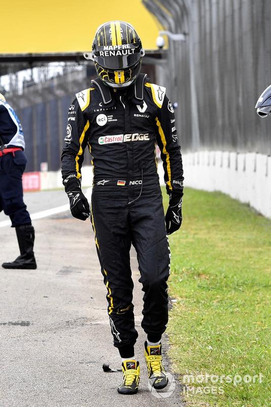 Nico Hulkenberg, Renault Sport F1 Team R.S. 18, se ne va dopo l'incidente nelle FP2