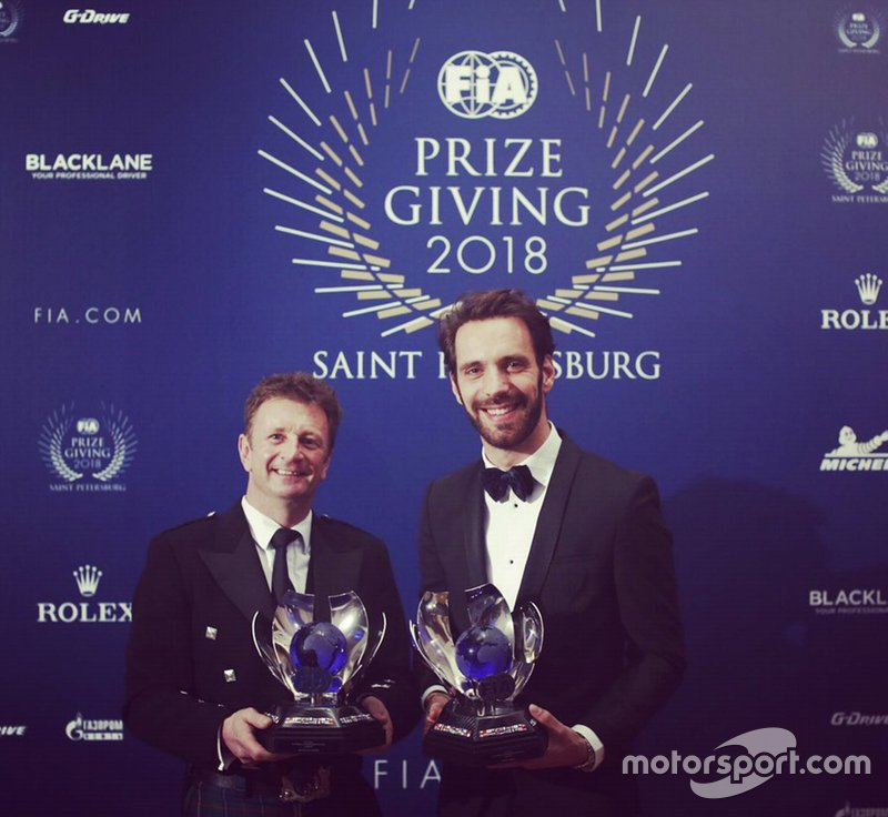 Чемпионы Формулы Е Аллан Макниш (команда Audi Abt) и Жан-Эрик Вернь (DS Techeetah)