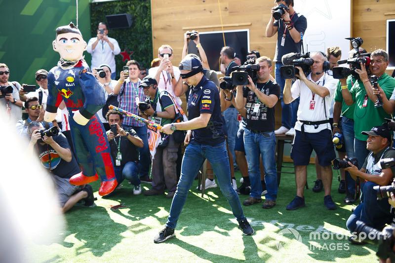 Манекен Макса Ферстаппена, Red Bull Racing