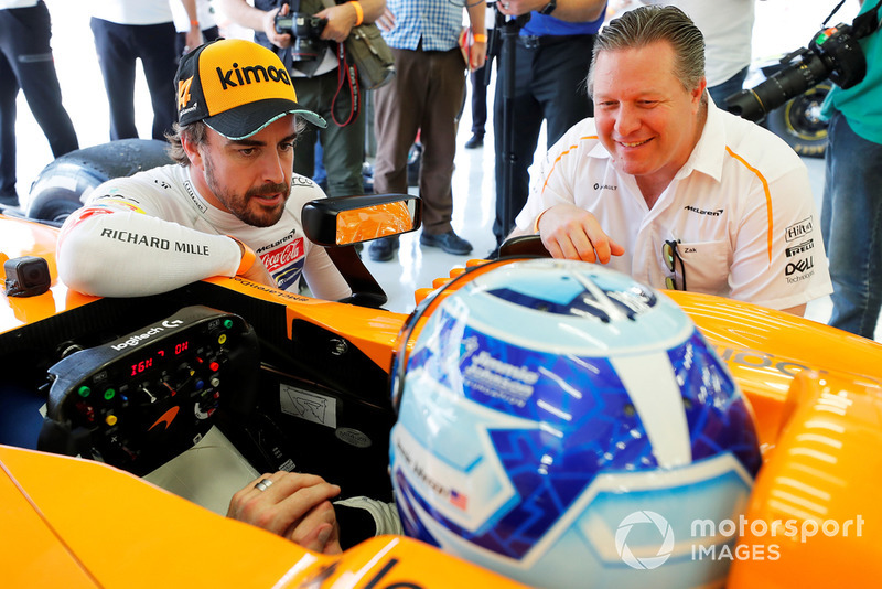 Jimmie Johnson en el McLaren, Fernando Alonso, Zak Brown