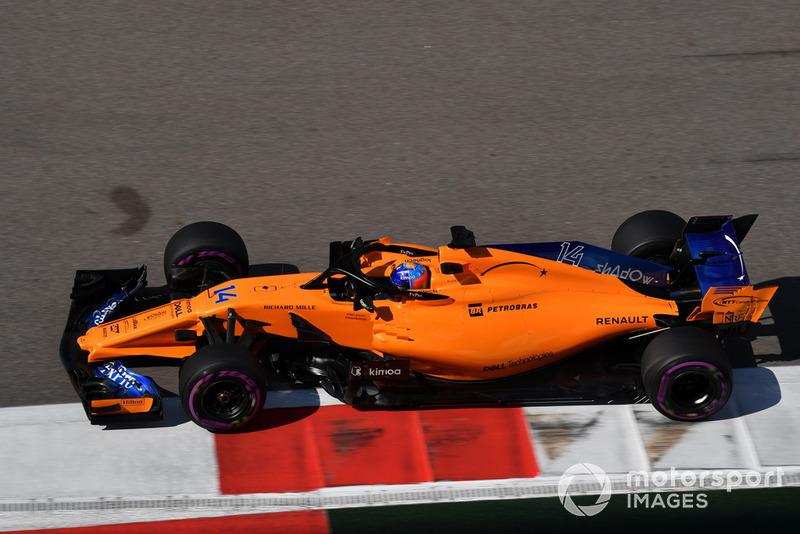 16: Фернандо Алонсо*, McLaren MCL33, 1'35.504
