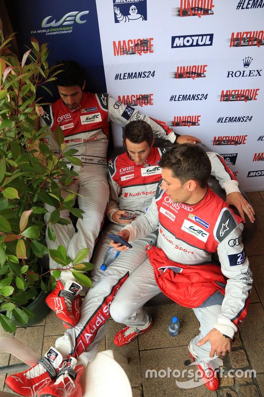 #8 Audi Sport Team Joest Audi R18 e-tron quattro: Лукас ді Грассі, Лоік Дюваль, Олівер Джарвіс