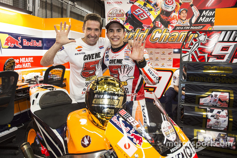 Race winner Marc Marquez, Repsol Honda Team with his father