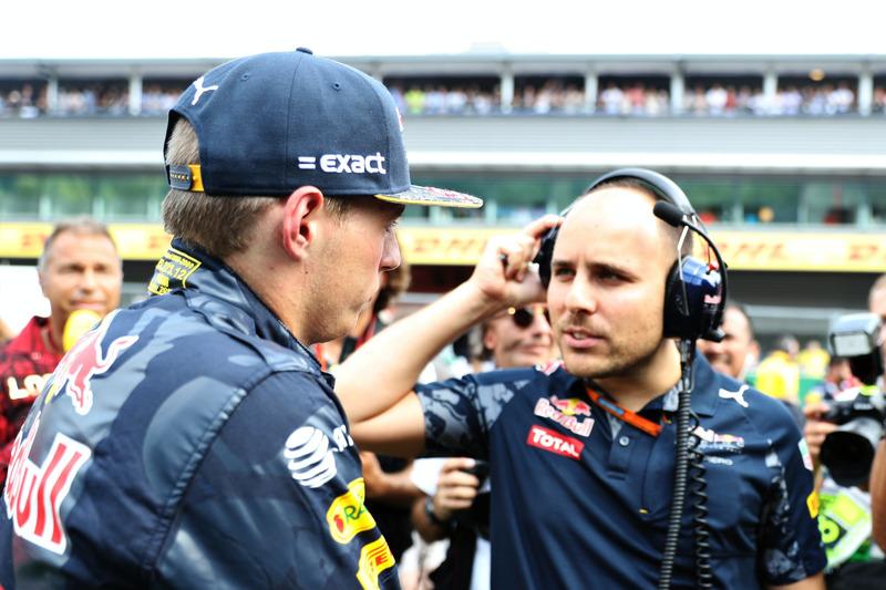 Max Verstappen, Red Bull Racing talks to race engineer Gianpiero Lambiase on the grid
