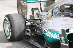 Lewis Hamilton, Mercedes AMG F1 Team W07, rear suspension detail