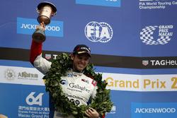 Podium:  third place Tom Chilton, Sébastien Loeb Racing, Citroën C-Elysée WTCC